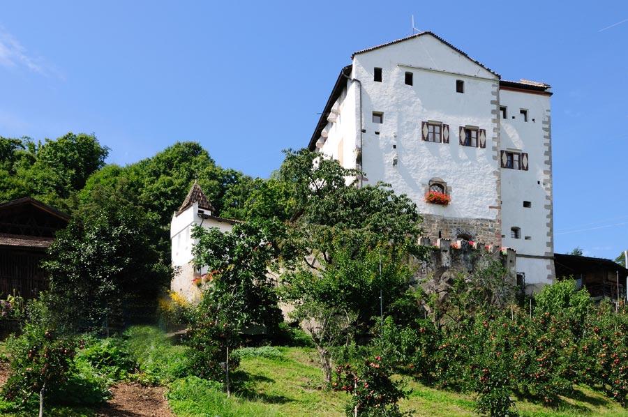 ansitz-helmsdorf-lana-ansicht
