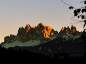 Geisler Spitzen im Villnösstal - Dolomiten im herbstlichen Sonnenuntergang