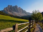Almwiesen vor den Geisler Spitzen - Dolomiten