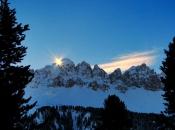 Traumhafter Winter - Sonnenaufgang in den Dolomiten mit Blick auf den Tulln