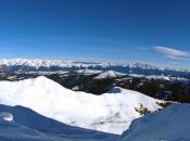 Skitour zum Gabler nahe der Plose mit Blick auf die Zillertaler Alpen und ins Pustertal