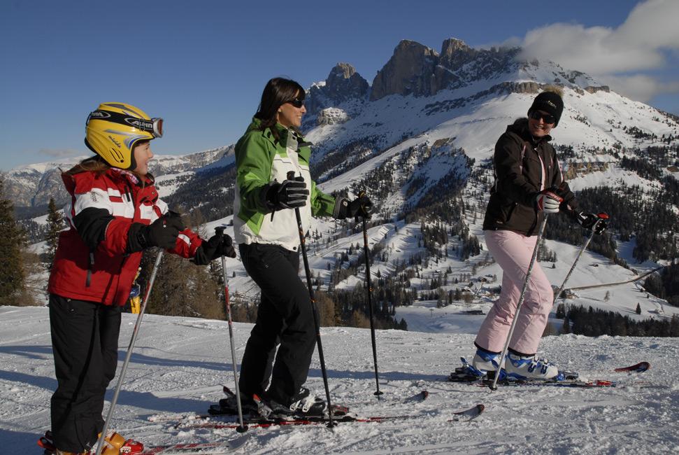 familien-skifahren-rosengarten