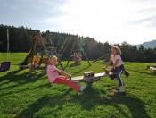 hof-zerund-kastelruth-spielplatz