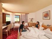 hotel-rosenheim-rodeneck-02