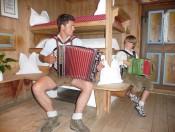 loechlerhof-luesen-musikanten