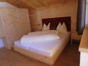 marmsolhof-kastelruth-apartment-hofsuite-zimmer