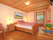 niglutschhof-kastelruth-ferienwohnung2-schlafzimmer