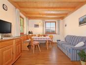 niglutschhof-kastelruth-ferienwohnung3-wohnraum