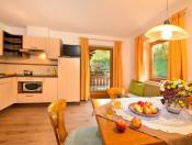 putzerhof-brixen-die-gerauemige-wohnraum