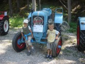 radauerhof-kastelruth-traktor