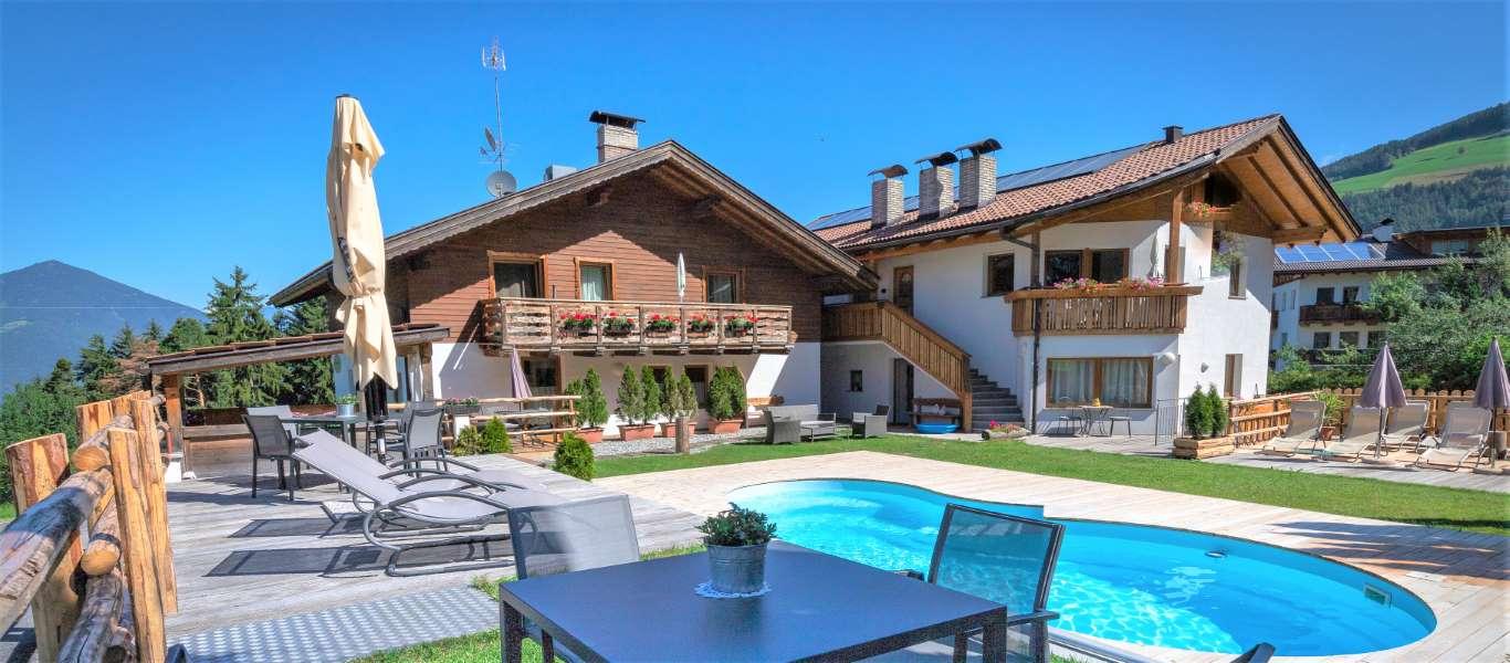 residence-alpenrose-brixen-st-andrae-eisacktal-suedtirol (1)
