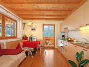 ronsolhof-kastelruth-ferienwohnung-schlern-wohnraum