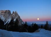 schlern-wintermorgen-monduntergang