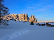 wintermorgen-seiseralm-mit-schlern