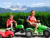 stocknerhof-brixen-kinderferien Kinderferien auf dem Bauernhof - Stocknerhof in Gereuth/ Eisacktal