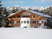 villa-tianes-kastelruth-winter