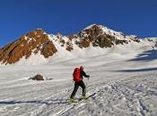 skitourengeher-gsies-richtung-rotlahner