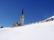 kirche-sarntal-winter