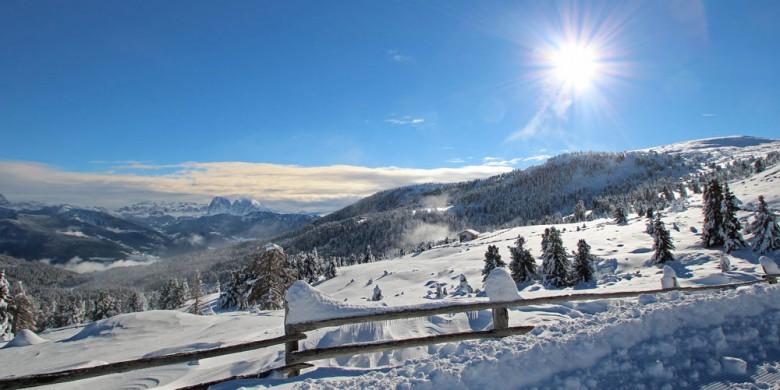 Winterwandern im Eisacktal auf der traumhaften schönen Villanderer Alm