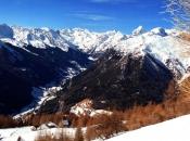 Blick auf Pflersch, einer der unberührtesten Gegenden von Südtirol, im Hintergrund der markante Pflerscher Tribulaun