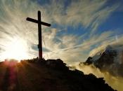 sonnenaufgang-rotbachlspitze-zillertaler-alpen