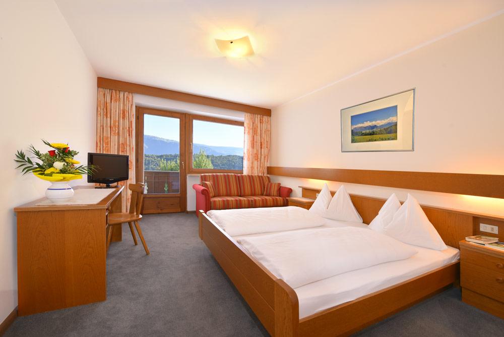 Zimmer und Ferienwohnungen der Familienpension Dolomitenblick